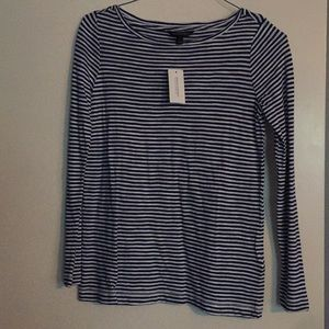 Banana Republic long sleeve T-shirt NWT